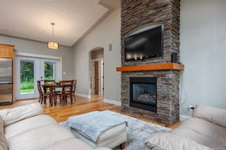 Photo 2: 2735 Tatton Rd in Courtenay: CV Courtenay North House for sale (Comox Valley)  : MLS®# 878153