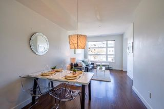Photo 2: 207 5568 KINGS Road in Vancouver: University VW Townhouse for sale (Vancouver West)  : MLS®# R2206780