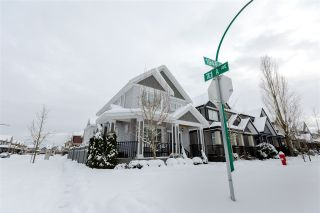 Photo 2: 7148 194B Street in Surrey: Clayton House for sale (Cloverdale)  : MLS®# R2136776