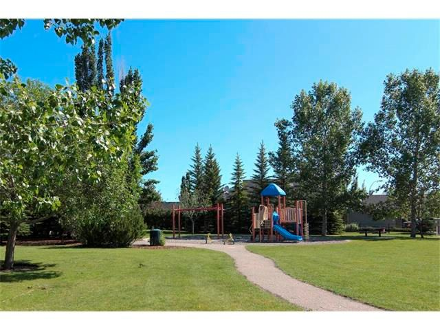 Photo 6: Photos: 196 TUSCANY HILLS Circle NW in Calgary: Tuscany House for sale : MLS®# C4019087