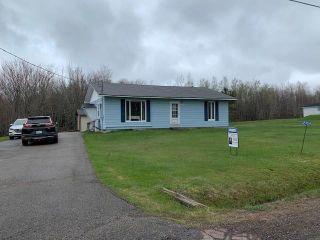 Photo 1: 2359 Athol Road in Springhill: 102S-South Of Hwy 104, Parrsboro and area Residential for sale (Northern Region)  : MLS®# 202111622