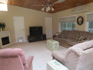 Photo 8: RANCHO PENASQUITOS House for sale : 4 bedrooms : 15382 Andorra Way in San Diego