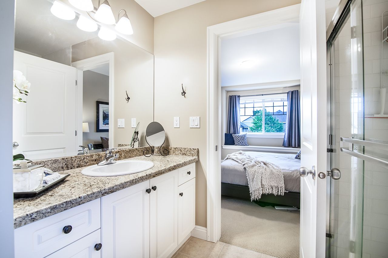"""Photo 19: Photos: 2907 152A Street in Surrey: King George Corridor House for sale in """"SOUTHPOINT ESTATES"""" (South Surrey White Rock)  : MLS®# R2278623"""