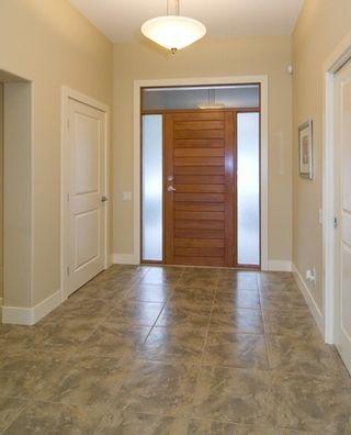 Photo 2: 2336 Selkirk Drive in Kelowna: Other for sale : MLS®# 10022131