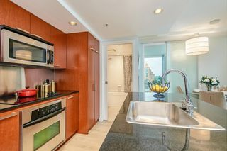 """Photo 6: 2902 1255 SEYMOUR Street in Vancouver: Downtown VW Condo for sale in """"ELAN"""" (Vancouver West)  : MLS®# R2472838"""