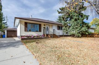 Photo 2: 31 Galway Crescent SW in Calgary: Glamorgan Detached for sale : MLS®# A1041053