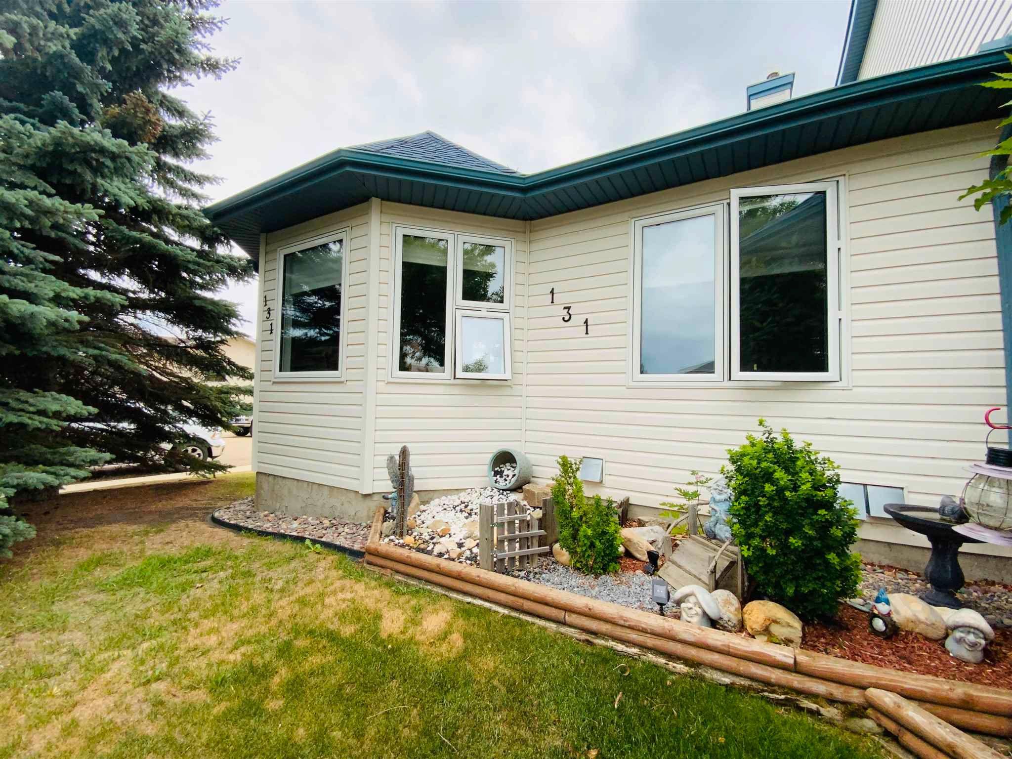 Main Photo: 131 Parkside Drive: Wetaskiwin House Half Duplex for sale : MLS®# E4253062