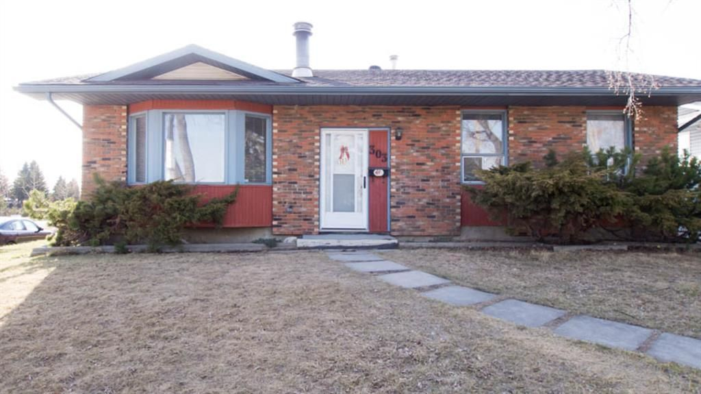 Main Photo: 303 Whiteview Road NE in Calgary: Whitehorn Detached for sale : MLS®# A1091746