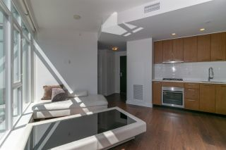 """Photo 7: 3107 1372 SEYMOUR Street in Vancouver: Downtown VW Condo for sale in """"THE MARK"""" (Vancouver West)  : MLS®# R2481345"""