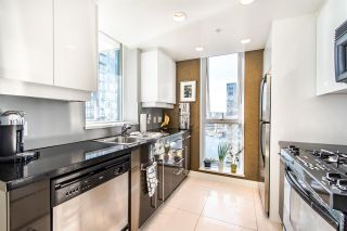 """Photo 8: 2202 1408 STRATHMORE Mews in Vancouver: Yaletown Condo for sale in """"WEST ONE"""" (Vancouver West)  : MLS®# R2432434"""