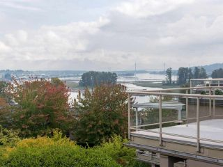 """Photo 10: 406 74 RICHMOND Street in New Westminster: Fraserview NW Condo for sale in """"Governors Court"""" : MLS®# R2407457"""