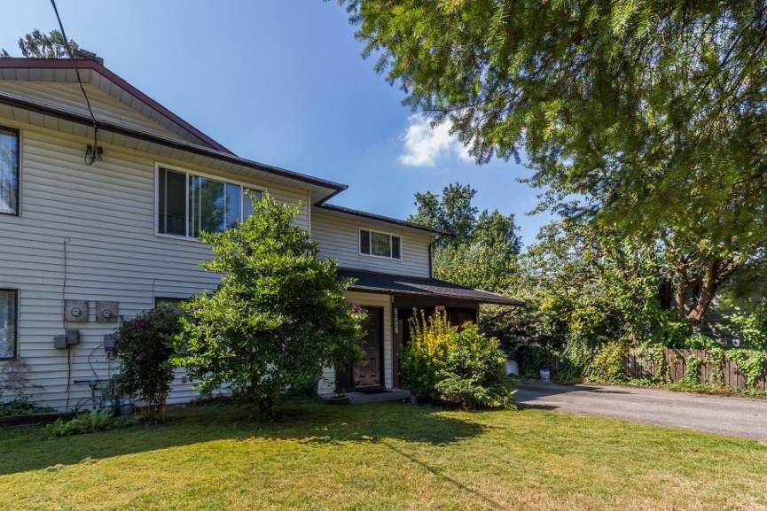 Main Photo: 20892 DEWDNEY TRUNK Road in Maple Ridge: Southwest Maple Ridge 1/2 Duplex for sale : MLS®# R2098243
