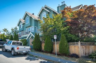 Photo 2: 3 112 ST. ANDREWS Avenue in North Vancouver: Lower Lonsdale Townhouse for sale : MLS®# R2609841