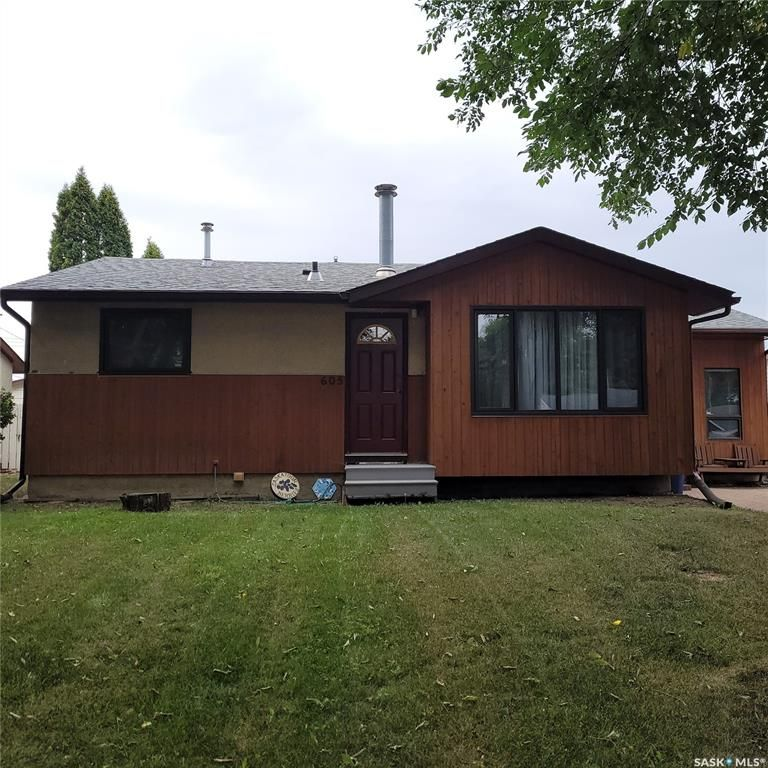 Main Photo: 605 Y Avenue North in Saskatoon: Mount Royal SA Residential for sale : MLS®# SK867199
