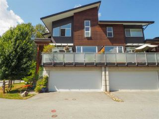 """Photo 1: 1 41488 BRENNAN Road in Squamish: Brackendale Townhouse for sale in """"Rivendale"""" : MLS®# R2485406"""