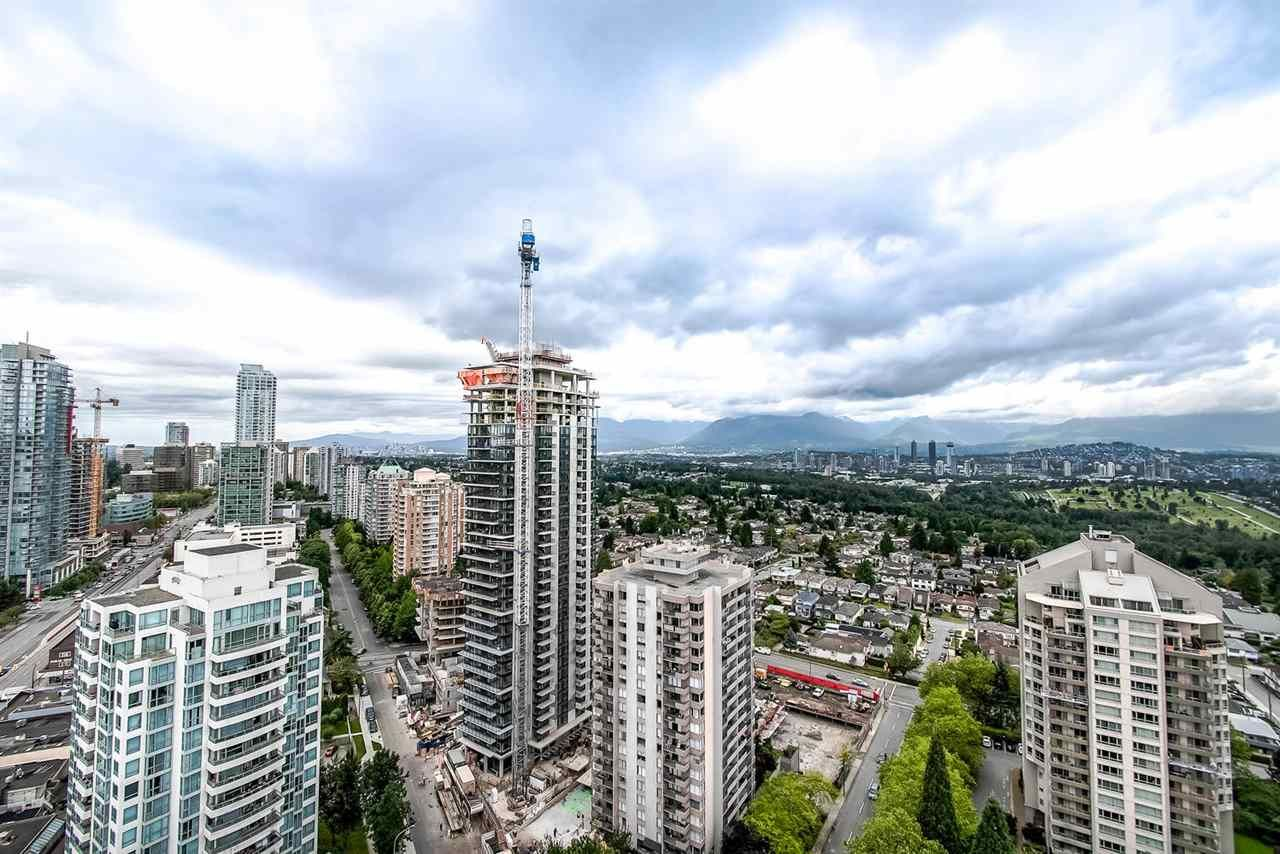 Main Photo: 2801 4808 HAZEL Street in Burnaby: Forest Glen BS Condo for sale (Burnaby South)  : MLS®# R2471542