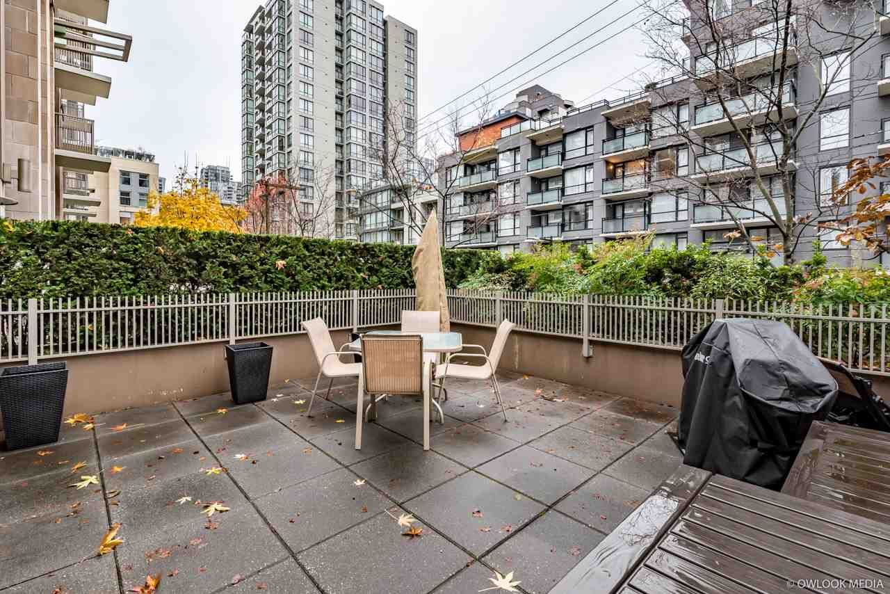 Main Photo: 211 1055 RICHARDS STREET in : Downtown VW Condo for sale : MLS®# R2225029