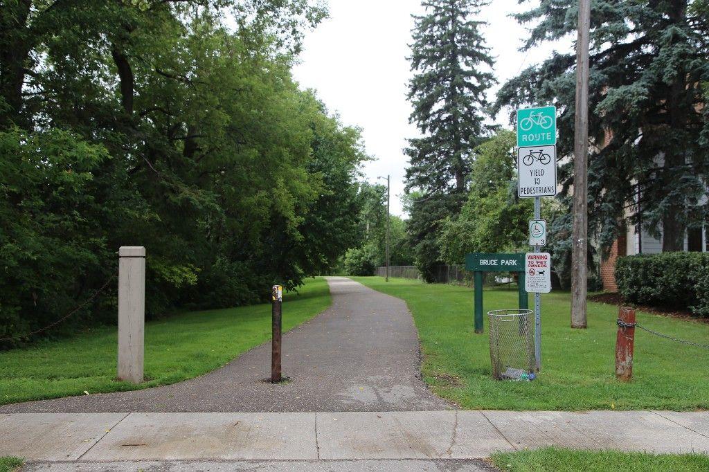 Photo 29: Photos: 154 Douglas Park Road in Winnipeg: Bruce Park/ St. James Single Family Detached for sale (West Winnipeg)  : MLS®# 1519811