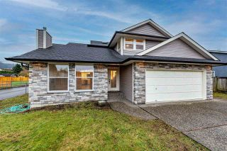 Photo 1: 6800 HENRY Street in Chilliwack: Sardis East Vedder Rd House for sale (Sardis)  : MLS®# R2519014