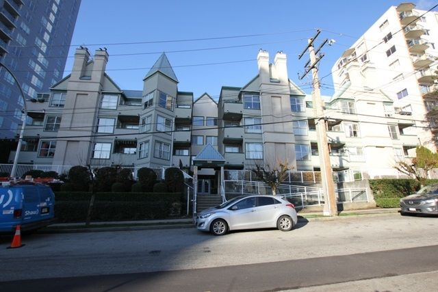 """Main Photo: 404 509 CARNARVON Street in New Westminster: Downtown NW Condo for sale in """"HILLSIDE PLACE"""" : MLS®# R2226244"""