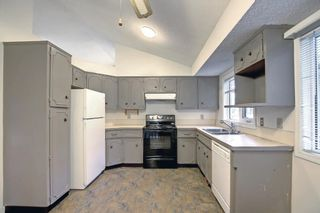 Photo 9: 37 Martingrove Way NE in Calgary: Martindale Detached for sale : MLS®# A1152102