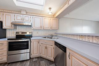 Photo 19: 10 4714 Muir Rd in : CV Courtenay East Manufactured Home for sale (Comox Valley)  : MLS®# 863668