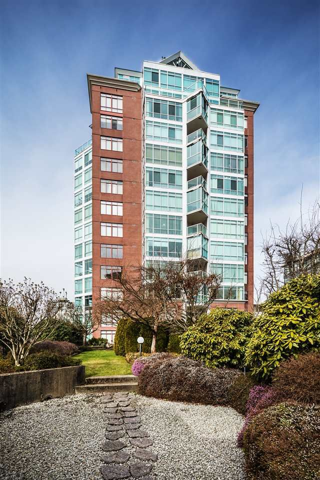 """Main Photo: 1202 130 E 2ND Street in North Vancouver: Lower Lonsdale Condo for sale in """"The Olympic"""" : MLS®# R2416935"""