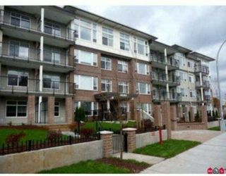 """Photo 1: 101 46150 BOLE Avenue in Chilliwack: Chilliwack N Yale-Well Condo for sale in """"NEWMARK"""" : MLS®# R2210372"""