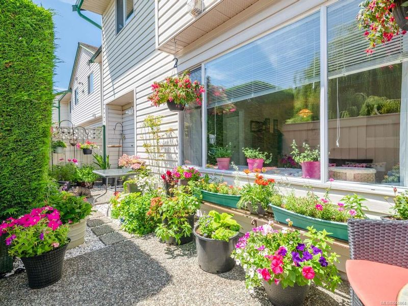 FEATURED LISTING: 5 - 1906 Bowen Rd NANAIMO