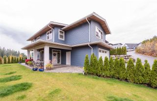 """Photo 1: 40860 THE Crescent in Squamish: University Highlands House for sale in """"University Heights"""" : MLS®# R2120406"""