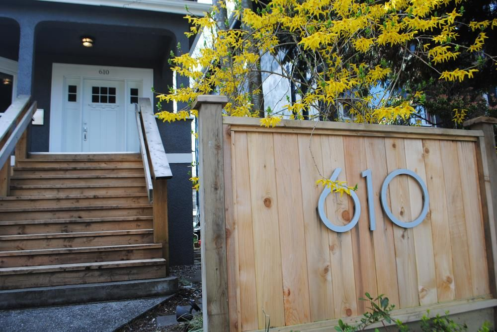 Main Photo: 610 E 13TH Avenue in Vancouver: Mount Pleasant VE House for sale (Vancouver East)  : MLS®# R2365906