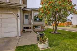 Photo 3: 871 Riverbend Drive SE in Calgary: Riverbend Detached for sale : MLS®# A1151442