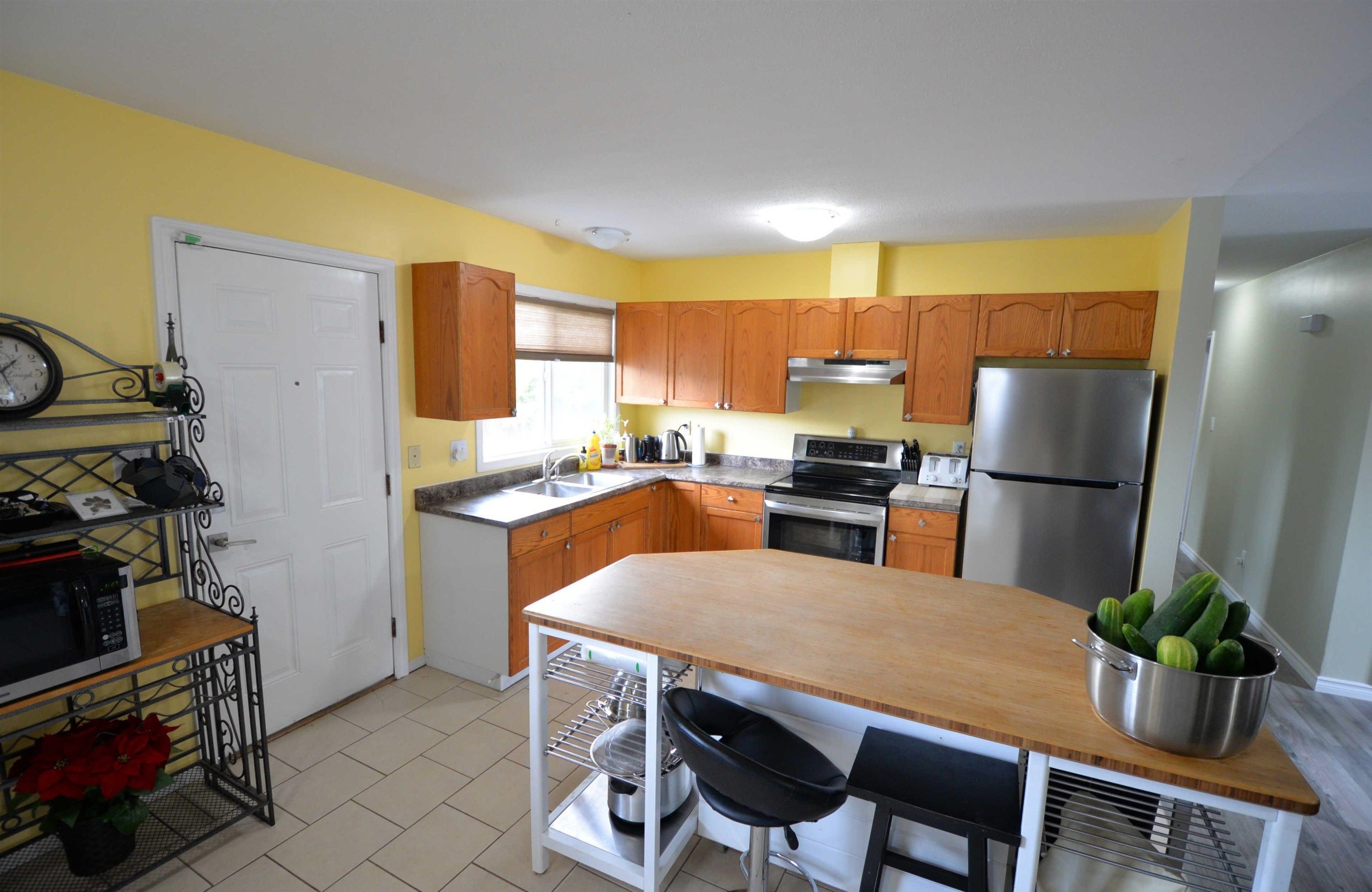 """Photo 3: Photos: 2306 OAK Street in Prince George: VLA House for sale in """"VLA"""" (PG City Central (Zone 72))  : MLS®# R2615261"""