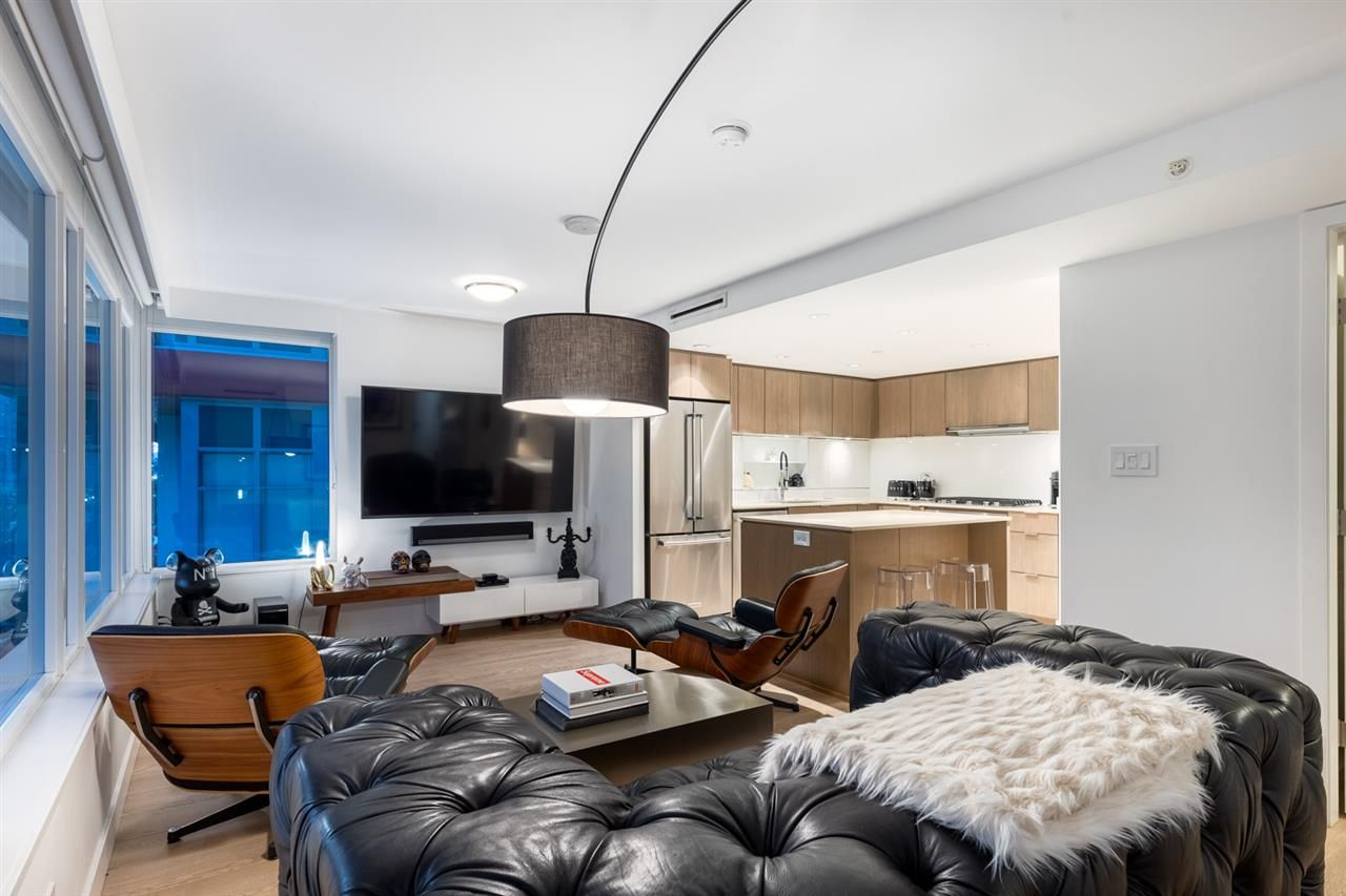 """Main Photo: 208 161 E 1ST Avenue in Vancouver: Mount Pleasant VE Condo for sale in """"BLOCK 100"""" (Vancouver East)  : MLS®# R2525907"""