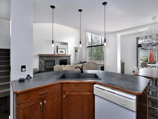 Photo 17: 45 Crestbrook Hill SW in Calgary: Crestmont Detached for sale : MLS®# A1141803
