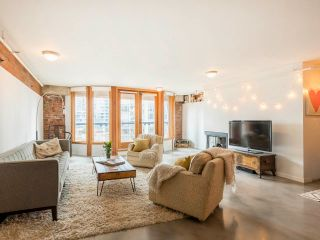 """Photo 5: 5-2 550 BEATTY Street in Vancouver: Downtown VW Condo for sale in """"550 Beatty"""" (Vancouver West)  : MLS®# R2574824"""