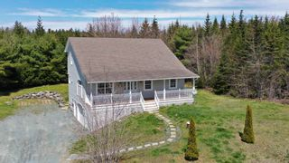 FEATURED LISTING: 45 Earl Court Porters Lake