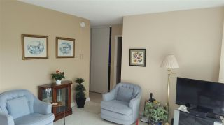 "Photo 4: 906 4300 MAYBERRY Street in Burnaby: Metrotown Condo for sale in ""Times Square"" (Burnaby South)  : MLS®# R2164756"
