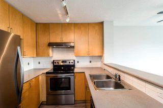 """Photo 2: 409 124 W 3RD Street in North Vancouver: Lower Lonsdale Condo for sale in """"THE VOGUE"""" : MLS®# R2245605"""
