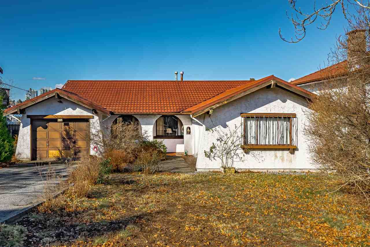 Photo 2: Photos: 6131 BRANTFORD Avenue in Burnaby: Upper Deer Lake House for sale (Burnaby South)  : MLS®# R2551835