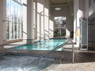 """Photo 10: 702 2668 ASH Street in Vancouver: Fairview VW Condo for sale in """"CAMBRIDGE GARDEN"""" (Vancouver West)  : MLS®# V870392"""