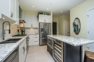 Photo 5: 302 15360 20 Avenue in Surrey: King George Corridor Condo for sale (South Surrey White Rock)  : MLS®# R2133201