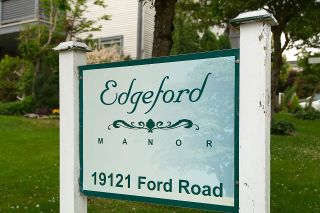 """Photo 2: 208 19121 FORD Road in Pitt Meadows: Central Meadows Condo for sale in """"EDGEFORD MANOR"""" : MLS®# R2075500"""