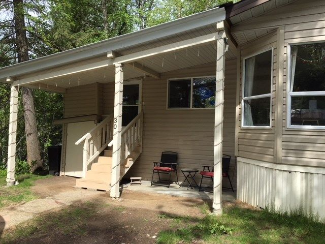"""Photo 3: Photos: 30 3656 HILBORN Road in Quesnel: Quesnel - Rural North Manufactured Home for sale in """"PARK VILLAGE TRAILER PARK"""" (Quesnel (Zone 28))  : MLS®# R2437921"""