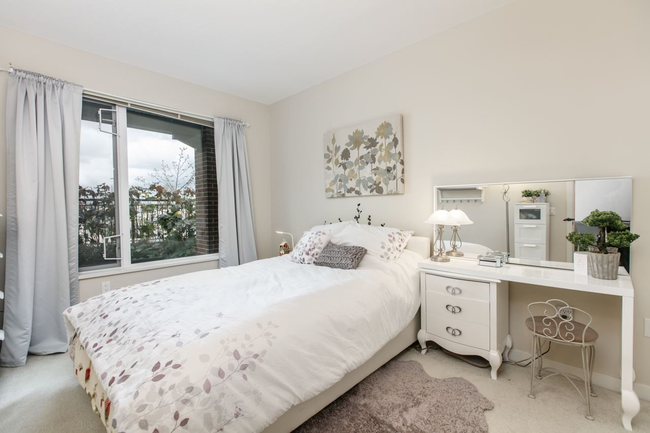 """Photo 6: Photos: 156 9388 MCKIM Way in Richmond: West Cambie Condo for sale in """"MAYFAIR PLACE"""" : MLS®# R2040447"""