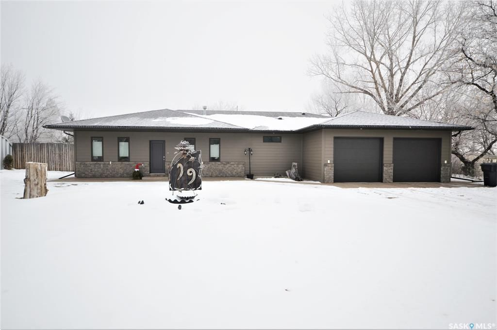 Main Photo: 19 Oxford Street in Mortlach: Residential for sale : MLS®# SK845149