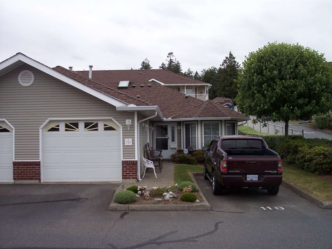"""Main Photo: 110 1973 WINFIELD Drive in Abbotsford: Abbotsford East Townhouse for sale in """"BELMONT RIDGE"""" : MLS®# R2070637"""