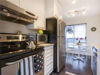 "Photo 7: 304 1166 W 6TH Avenue in Vancouver: Fairview VW Townhouse for sale in ""SEASCAPE VISTA"" (Vancouver West)  : MLS®# V1121820"