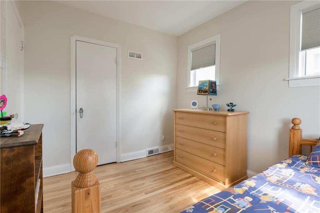 Photo 13: Photos: 292 Renfrew Street in Winnipeg: Residential for sale (1C)  : MLS®# 202010830