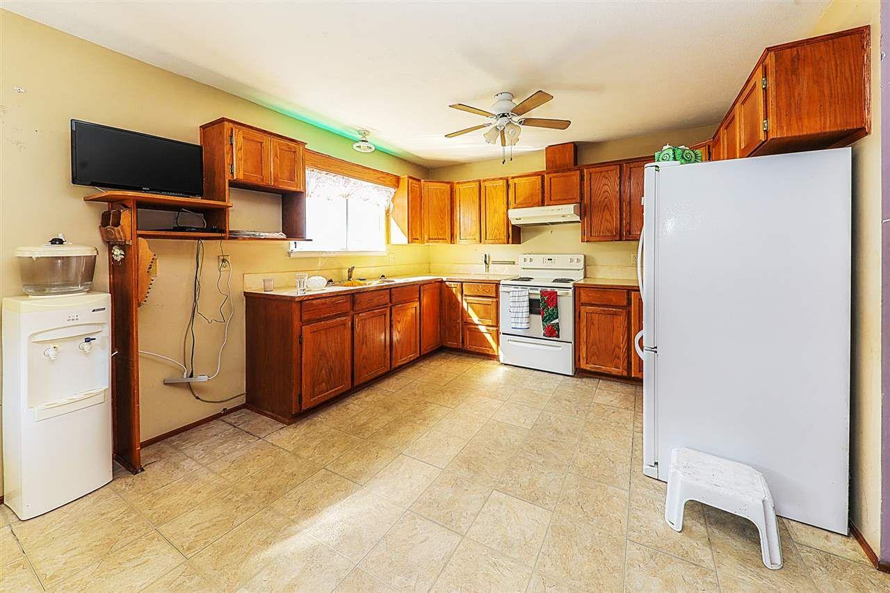 Photo 3: Photos: 11812 232 Street in Maple Ridge: Cottonwood MR 1/2 Duplex for sale : MLS®# R2317153